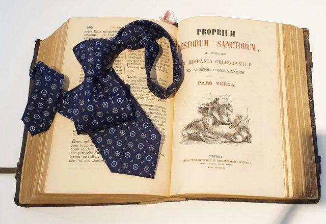Porque nosotros seguimos creyendo que una buena #corbata es fundamental para un #hombreelegante Nuestra selección tiene un poco de todos los estilos que necesites #serranoburgos #multimarcas #madeinitaly #seda #lasmejoresmarcas #burgos #modahombre #elegancia #clasico #básicos